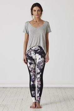 PAINTING FLOWERS FULL LENGTH TIGHT Tights, Pajama Pants, Pajamas, Painting Flowers, Fashion, Navy Tights, Pjs, Moda, Sleep Pants
