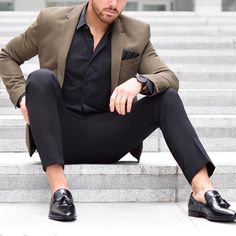 - with a business casual combo featuring black tassel loafers no show socks black trousers black button up shirt brown blazer black silk pocket square watch Black Shirt Outfit Men, Blazer Outfits Men, Mens Fashion Blazer, Suit Fashion, Fashion Outfits, Interview Outfit Men, Stylish Men, Men Casual, Terno Slim