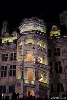 Château de Blois Nocturne, Chateau De Blois, French Castles, Europe, French Chateau, Anne Boleyn, Palaces, Belle Photo, Monuments