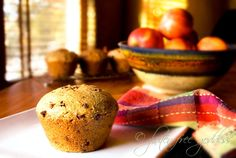 Gluten-Free+Goddess+Recipes:+Big+Banana+Muffins+(Gluten-Free) Sub arrow root for potato starch - sub coconut oil for olive oil Subbed apple cider vinegar for rice vinegar - Vegan Banana Muffins, Gluten Free Banana, Gluten Free Muffins, Gluten Free Chocolate, Best Gluten Free Recipes, Allergy Free Recipes, Gluten Free Cooking, Chocolate Chip Banana Bread, Chocolate Chips
