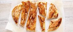Pear and Cheese Naan Bread. Makes a nice appetizer or light dessert. Naan, Breakfast Items, Breakfast Recipes, Chef Recipes, Cooking Recipes, Savoury Recipes, Dessert Aux Fruits, Dessert Bread, Favorite Recipes