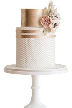Blush and rose gold cake byHeidi Moore Holmon forDe La Crème Creative Studio.