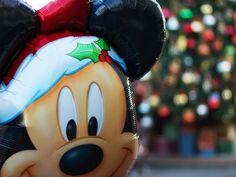 Santa Mickey Mouse Balloon