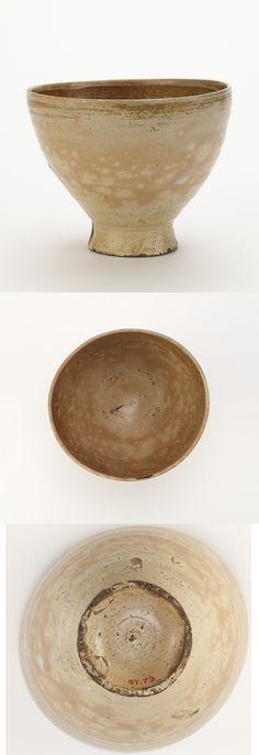 Joseon period, early 18th century Korea, Gyeongsangnam-do province, Busan, Wakan (Waegwan) kiln Stoneware with transparent glaze 10.1 x 13.5 x 13.5 cm Gift of Charles Lang Freer Freer Gallery of Art F1897.79
