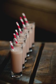 How To Rock Your Holidays Milkshake Shooters. The term milkshake, as the name implies, is a mixture of milk (shakes) that are stirred (shake). In England, milkshakes are a mixture of milk with flavored syrup, without ice cream. Molten Chocolate, Decadent Chocolate, Chocolate Lovers, Milk Shakes, Tequila Sunrise, Small Desserts, Mini Desserts, Snack Bar, Adult Holiday Drinks