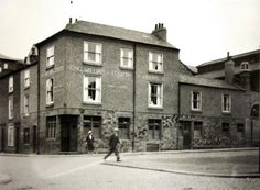 The King William Arms, now the King Billy. Shot taken in the Twenties.