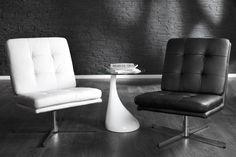 Eleganter Club Sessel AIRPORT weiss Napalon Leder mit Zierknöpfen Drehsessel Eleganter Club Sessel AIRPORT weiss Napalon Leder mit Zierknöpfen Drehsessel, 100 Euro