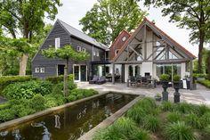 #architecture #serre #minimalwindows. Bouwen met glas! Busscher Serrebouw / www.busscher-serres.nl.