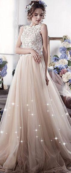 Marvelous Tulle Jewel Neckline A-line Wedding Dresses With Lace Appliques  Bohém Esküvő 21eff96d94