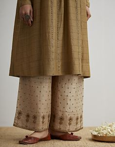Buy Pale Olive Embroidered Kurta Set by Dhruv Singh Available at Ogaan Online Shop Hand Embroidery Dress, Kurti Embroidery Design, Embroidery Suits, Embroidery Fashion, Dress Indian Style, Indian Wear, Indian Suits, Stylish Dress Designs, Stylish Dresses