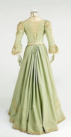 Edwardian 1903 ... one of the ladies at Lady Harriet Reed-Fletcher's soirees would wear this in Stuart Brannon's Final Shot by author Stephen Bly & his family. www.BlyBooks.com