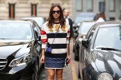 How To Dress Like An Italian Girl — 50+ Lessons Worth Knowing   A little bag, a lot of chic.