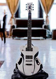 Pour les fans de Star Wars, un instrument rappelant les Stormtroopers. Retrouvez des cours de #guitare et de #basse d'un nouveau genre sur https://www.mymusicteacher.fr !