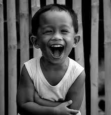 """Résultat de recherche d'images pour """"sourire et rire image enfant du monde"""" Smile Face, Make Me Smile, The Age Of Innocence, Joy Quotes, Kids Photography Boys, Old Adage, Boy Face, Child Smile, Portraits"""