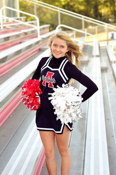 Sport Girl Photography Pom Poms 32 Ideas For 2019 Senior Cheerleader, Cheerleading Poses, Cheerleading Cheers, Cheer Poses, Football Cheer, Cheerleading Pictures, Cheerleader Images, Cute Cheer Pictures, Cheer Picture Poses