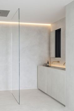 Gallery of Residence VDB / Govaert & Vanhoutte Architects - 53 - Minimal Interior Design Modern Bathroom Design, Bathroom Interior Design, Home Interior, Decor Interior Design, Bathroom Designs, Interior Modern, Midcentury Modern, Interior Ideas, Interior Inspiration