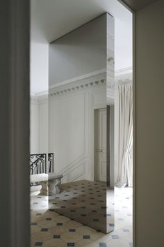 @hedviggen | if my house hat many rooms | room divider | mirror | Joseph Dirand Architecture - Balmain