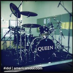 Roger Taylor of Queen played these drums during Top 6 week. #idol