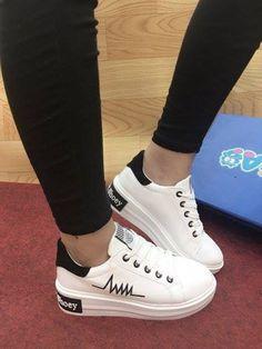 Sneaker đế độn