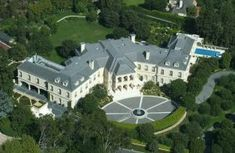 Top 10 Most Expensive and Luxurious Homes World Includes from aluxurious mansionon the French Riviera, one on the Australian coast, a mansion in theEnglish countrysideand even one on oneislandinFrench Polynesia.        1. – Bran Castle – $ 135 million  Thiscastleis amedieval fortress Hungarianthough locallizado inTransylvania(Romania) has great tourist attraction for its relation to the novel Dracula.It was built around1212and allegedlyBram Stokerused this castl..