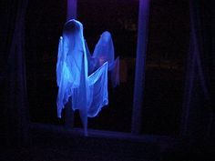 And, in case anyone doesn't know what a Flying Crank Ghost is, there's a link on this site for a How To. http://jeff-space.tripod.com/halloween/props/fcg/