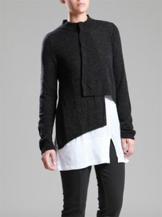 JACKETS, JUMPSUITS, DRESSES, TROUSERS, SKIRTS, JERSEY, KNITWEAR, ACCESORIES - Woman -