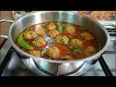 Learn how to make tasty kofta curry. Very easy step by step video recipe. Enjoy this homemade restaurant-style mutton kofta recipe from scratch with its spec. Pakistani Kofta Recipe, Indian Kofta Recipe, Veg Kofta Recipe, Kofta Recipe In Urdu, Chana Chaat Recipe, Sabzi Recipe, Chicken Jalfrezi Recipe, Pakistani Dishes, Pakistani Recipes