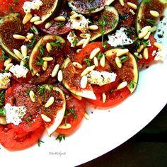 Tomato, Fresh Fig and Feta Cheese Salad / sałatka ze świeżych pomidorów i fig - DoradcaSmaku.pl