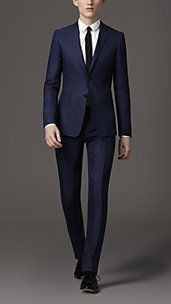Burberry modern fit navy blue suit....soft and breathable wool......