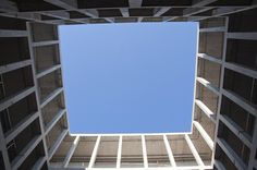 Hôtel Baccarat, Rabat. Looking up to the sky. Architectes: OUALALOU+CHOI Photo: Andrea Cattarino