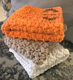 I have a special place in my heart for dishcloth and washcloth patterns. The first crocheted item I ever made was a wonky, messed up dish cloth. I have made sponges and simple dish cloth patterns in the past, but those were for the kitchen. I wanted to make something[Read more]