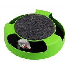 Uma ratinho preso dentro de um aparelho de plástico redondo que vai levar seu gatinho a loucura. Serão horas de diversão onde seu gato irá tentar retirar as bolinhas de dentro com as patinhas. Seu gato vai adorar esse brinquedo.