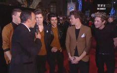 At the NRJ music awards! Loving Harry's hair wow.
