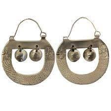 Resultado de imagen para JOYERIA MAPUCHE Tribal Jewelry, Jewelry Art, Jewlery, Fashion Jewelry, Bohemian Accessories, Bohemian Jewelry, Jewelry Accessories, Silver Earrings, Silver Jewelry