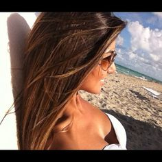 i can feel her happiness through this pik! miss the beach!