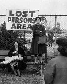 California | 1963 | Photographer | Elliott Erwitt | history | love | vintage | lost person | find | photo