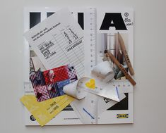 IKEA voucher Here I show you how to make a very special gift out of a boring IKEA coupon. IKEA voucher Here I show you how to make a very special gift out of a boring IKEA coupon. Teacher Appreciation Gifts, Teacher Gifts, Chevron, Savings Jar, Crafts With Pictures, Presents For Boyfriend, Message Card, Travel Gifts, Special Gifts