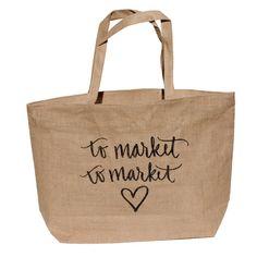 To Market To Market // Burlap Market Tote (the most adorable Farmer's Market tote! Diy Craft Projects, Sewing Projects, Farmers Market Logo, Craft Booth Displays, Jute Bags, Craft Bags, Burlap, Hessian, Market Bag