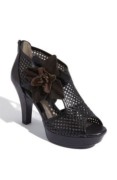 I need these. Think I can dance in them?  Söfft 'St. Malo' Sandal available at #Nordstrom