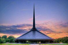 North Christian Church, Columbus, Indiana | photo by Mark Maynard