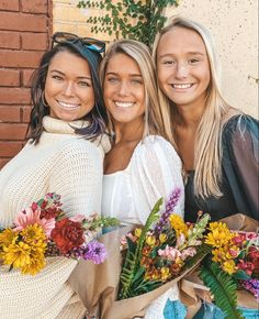 Summer Photos, Bridesmaid Dresses, Wedding Dresses, Crown, Fashion, Bridesmade Dresses, Bride Dresses, Moda, Summer Pictures