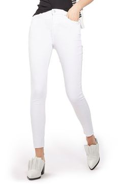 Free shipping and returns on Topshop Jamie Raw Hem Skinny Jeans at Nordstrom.com. Ankle-length raw hems complete the unapologetically punky style of high-waisted skinny jeans in a crisp white wash.
