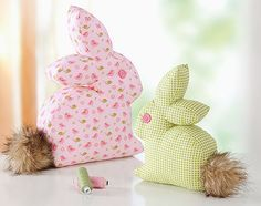 stoffhasen - Free pdf pattern and step by step Photo tutorial - Bildanleitung und gratis pdf Schnittvorlage Sewing Toys, Sewing Crafts, Sewing Projects, Sewing Stuffed Animals, Stuffed Animal Patterns, Crochet Blanket Patterns, Crochet Stitches, Diy Gifts For Kids, Creation Couture
