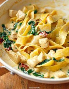 Makaron z kurczakiem i szpinakiem w sosie curry Pasta Recipes, Cooking Recipes, Healthy Recipes, Food Design, Food Inspiration, Good Food, Food And Drink, Healthy Eating, Lunch