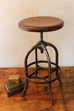 beautiful stool!
