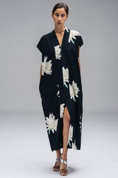 North Magnetic Pole — Long Smoking Dress in Hawaain Print-Horses Atelier Look Fashion, Fashion Outfits, Womens Fashion, Fashion Design, Jeans Fashion, Fashion Tips, Looks Style, Style Me, Mode Kimono