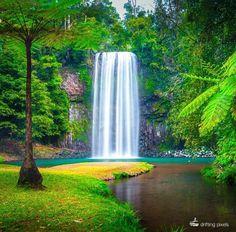 Milla Milla Falls, Queensland, Australia