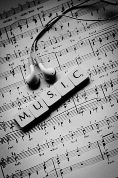 Music photography notes musica 53 ideas for 2019 Sound Of Music, Music Is Life, My Music, Musik Wallpaper, Iphone Wallpaper, Lit Wallpaper, Animal Wallpaper, Colorful Wallpaper, Black Wallpaper