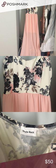 Gorgeous blush floral maxi dress Gorgeous blush floral maxi dress. Size medium. Built in bra pads. New without tags Dresses Maxi