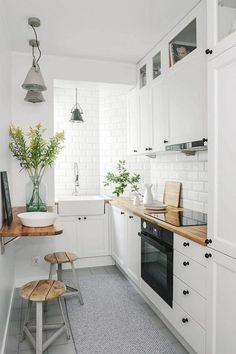 If you are looking for Apartment Kitchen Design Ideas, You come to the right place. Below are the Apartment Kitchen Design Ideas. This post about Apartment . Galley Kitchen Design, Small Space Kitchen, Little Kitchen, Interior Design Kitchen, Small Kitchens, Galley Kitchens, Kitchen Designs, Interior Rugs, Narrow Kitchen